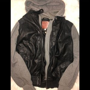 🔥❤️Faux leather hooded jacket❤️🔥